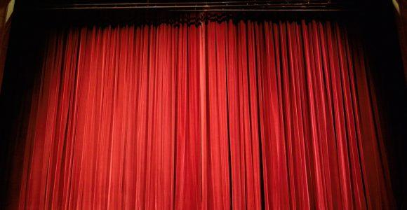 theater-432045_1920-1
